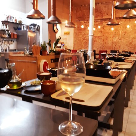 Valokuva: Paella Cooking Experience with Professional Chef: Four Course Dinner