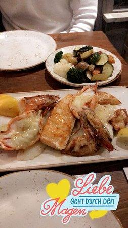 Thalassa Sendling: Fischplatte mit Gemüse (&gemischten Salat)