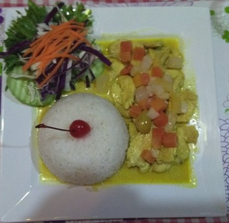 Riz Kasimir - Curry with Chickenbreast and Rice