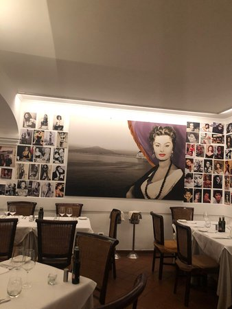 Lavish dinner experience and service