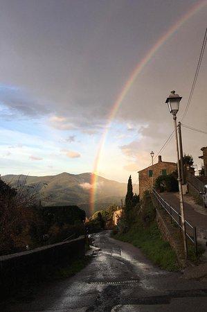 Vetulonia, Italy: Il Ritrovo Di Bes
