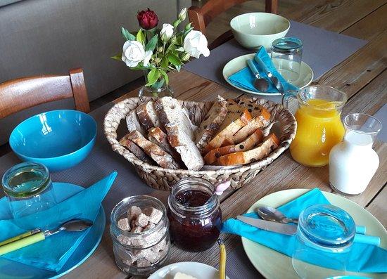 Saint-Leons, Frankrike: Votre petit déjeuner compris dans le prix de la chambre