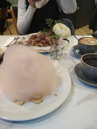 Candy Floss Creperie Picture