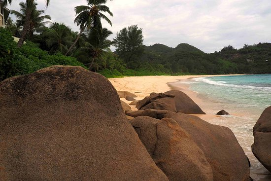 Anse La Mouche, Seychelles: Einsamer Strand im Abendlicht - Lonely beach in the evening light