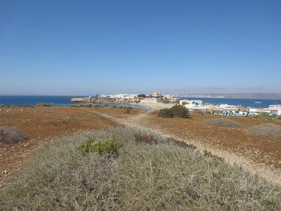 Auf der Insel mit Blick Richtung Dorf