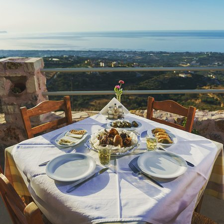 Taverna Fantastiko : Dinning with this view!