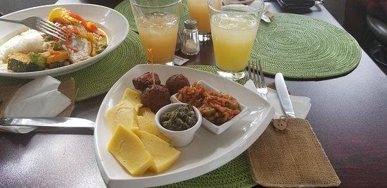 Cutie's Bar & Restaurant: Antiguan sampler platter