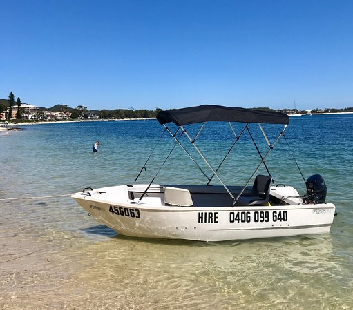 Redland City, Australia: Hire boats on trailers you pickup and tow and go to your location to launch