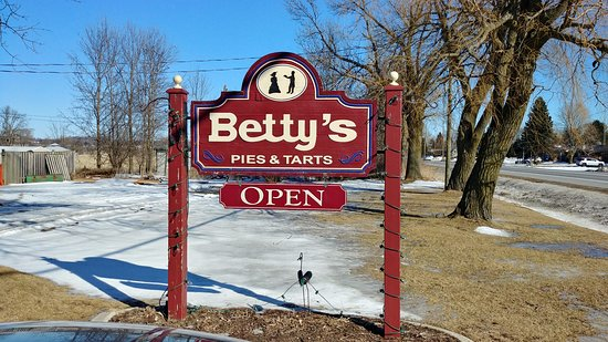 Roguetrippers took a day trip to Cobourg to get buttertarts at Betty's