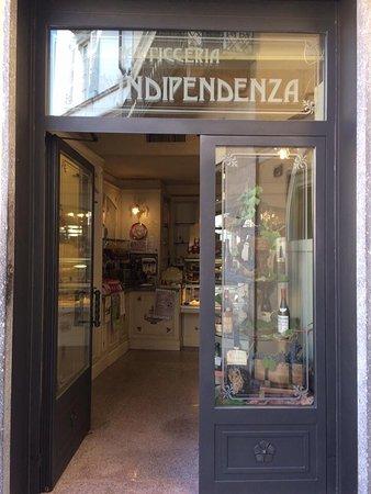 Broni, Italie: Entrata della pasticceria