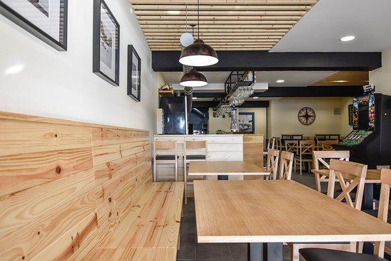 Café-Bar A Rampa: Un local renovado con alma marinera, acogedor y actual