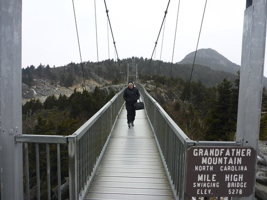 ‪Mile High Swinging Bridge‬