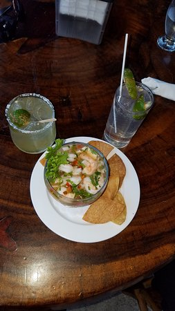 Kmbute Restaurante: House special ceviche. Octopus, squid, lobster, shrimp,Mahi Mahi. I am not sure if you are suppose to drink the liquid from the ceviche but I did. Wonderful flavor!