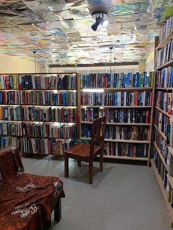 Tamarindo Jaime Peligro Book Store