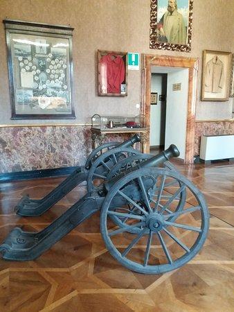 Sala dedicata a Garibaldi e cimeli bellici