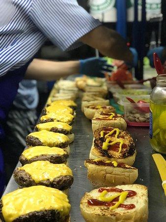 Jamundi, Colombia: Juniors Burger Truck