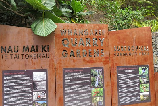 Whangarei Quarry Gardens: Sign