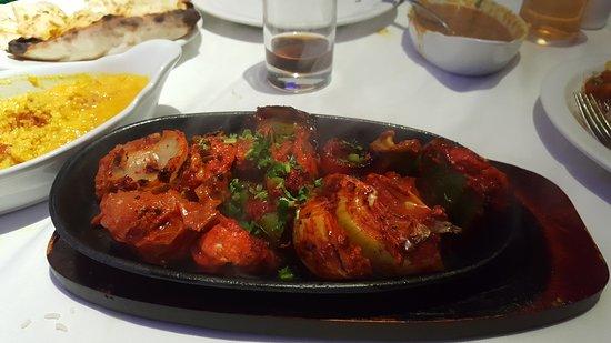 Llanymynech, UK: sizzling chicken tikka shashlik