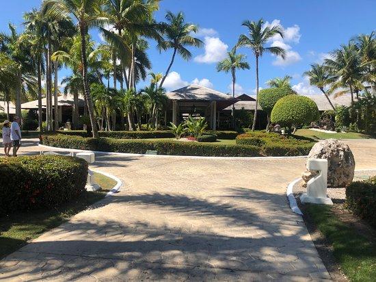 Paradisus Punta Cana Resort: Paradisus lobby from behind