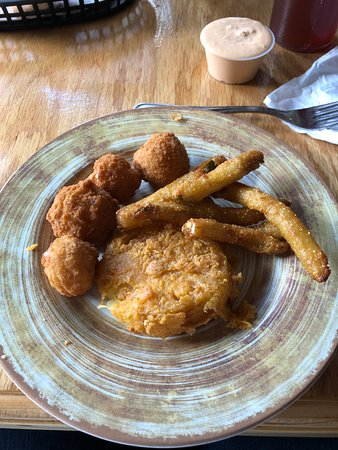 Shelly Belle's Restaurant: Plate of deliciousness