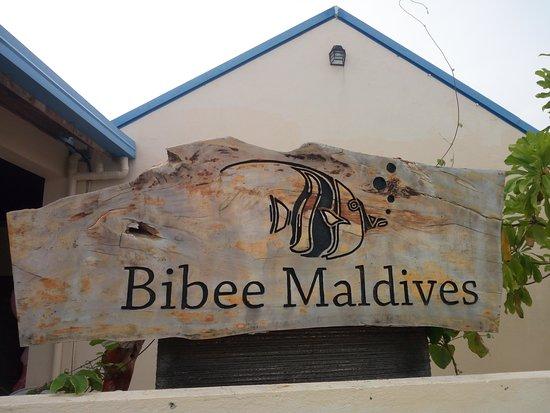 Dhifushi Island: l' ingresso alla guest house