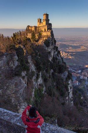 La roca de San Marino, la república independiente más antigua del mundo está bien protegida...