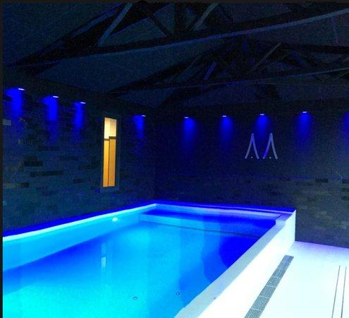 Vitre, ฝรั่งเศส: Hôtel le Magic & Spa **** Espace piscine