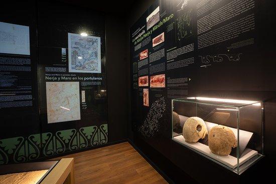 Museo de Nerja: Las necrópolis islámicas de Maro y Nerja.