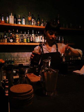 Отличный бар с лучшим сервисом