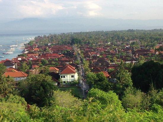 Mahagiri Resort: Cruise around the island and make sure you stop for the breathtaking views 😎