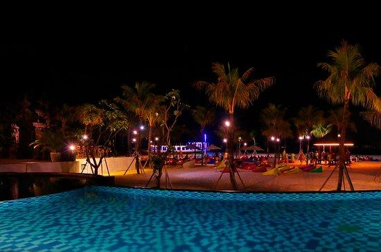 Mahagiri Resort: Who wants to be here right now?! ✋ ❤️
