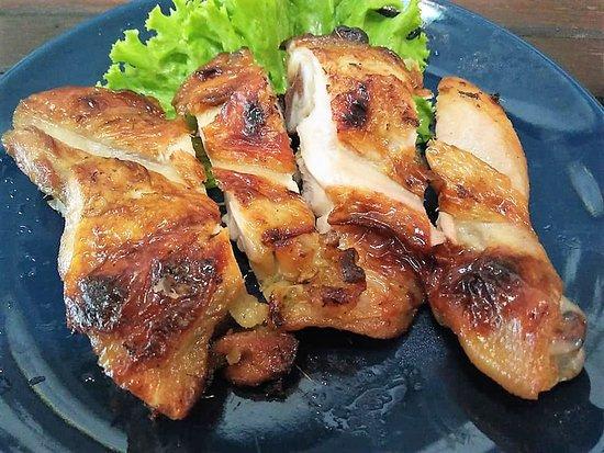 Esan Mae Waa Restaurant: BBQ Marinated Chicken, straight off the charcoal.