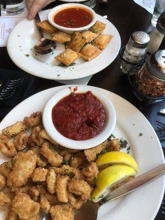 Campisi's Restaurant: Toasted Ravioli & Calamari