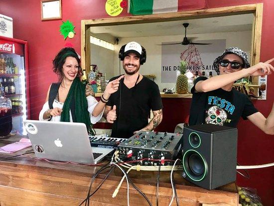 It's DJing time!