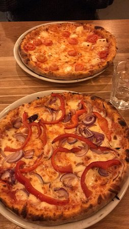 The Flat: Pizzas