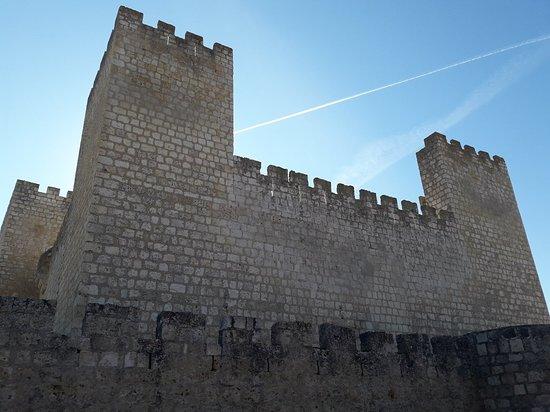 Encinas de Esgueva, Spanje: Castillo de los Aguilar
