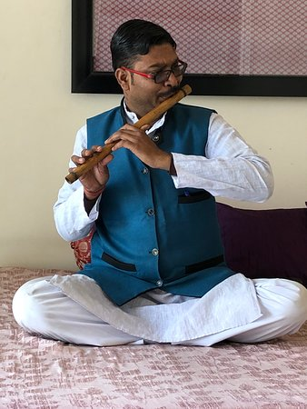 Indian Flute Music with breakfast - Picture of Taj Nadesar Palace