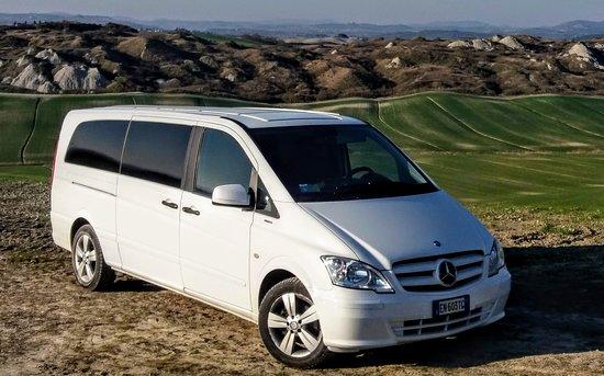 Asciano, Itália: Comfy minivan for up to 8 passengers