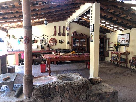 El Sabor Zapoteco: al fresco kitchen