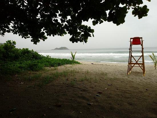 Baia de Castelhanos Beach Photo