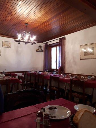 Campomorone, Italy: la sala superiore