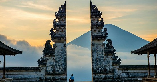 Abang, Indonesië: Gate of the heaven