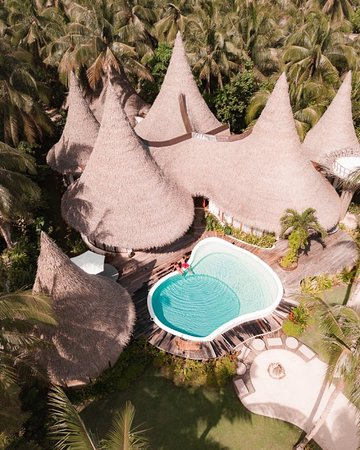 The Master Villa with 3 bedroom, 3 bath, private pool, private treehouse overlooking the ocean