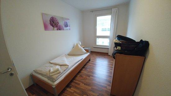camera da letto singola - Picture of Apartments am ...