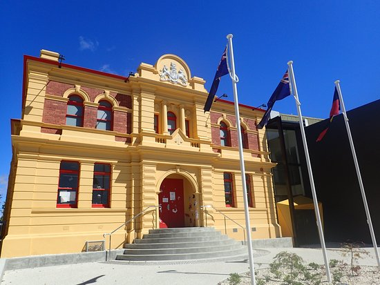 Devonport, Australia: The Gallery moved into it's new home within the heritage-listed Courthouse building at the paranaple arts centre in November 2018