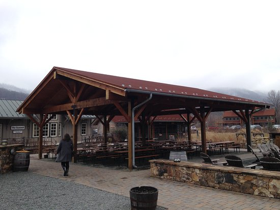 Outdoor area - Picture of Devils Backbone Brewing Company