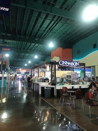 Cinnabon Guam: 場所は分かりやすいです。