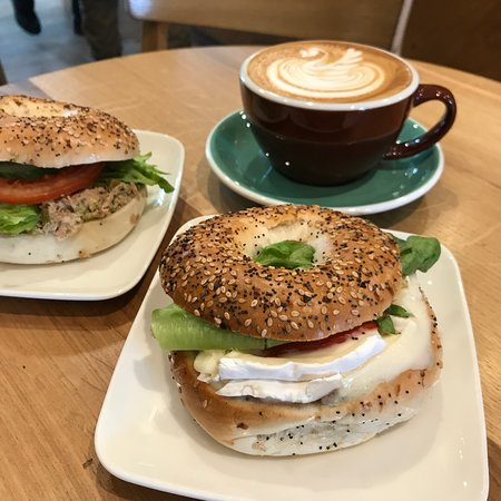 Good coffee are sometimes even greater with an excelent sandwiches. Our New York style baguels are just that!