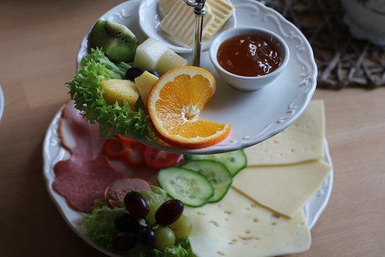Friedrichskoog, Alemania: Bei unserer Frühstücksauswahl ist für jeden etwas dabei.