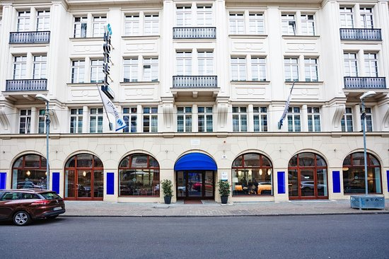 SELECT HOTEL BERLIN CHECKPOINT CHARLIE $56 ($̶7̶1̶) Prices